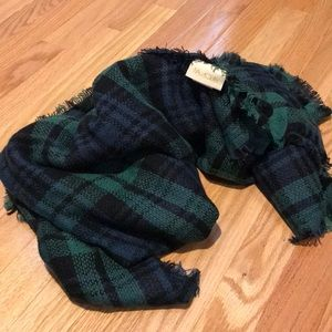 ModCloth blanket scarf blue/green/black
